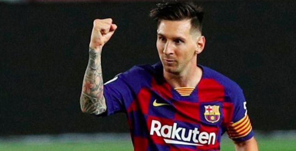 ميسي يغادر برشلونة من دون خجل