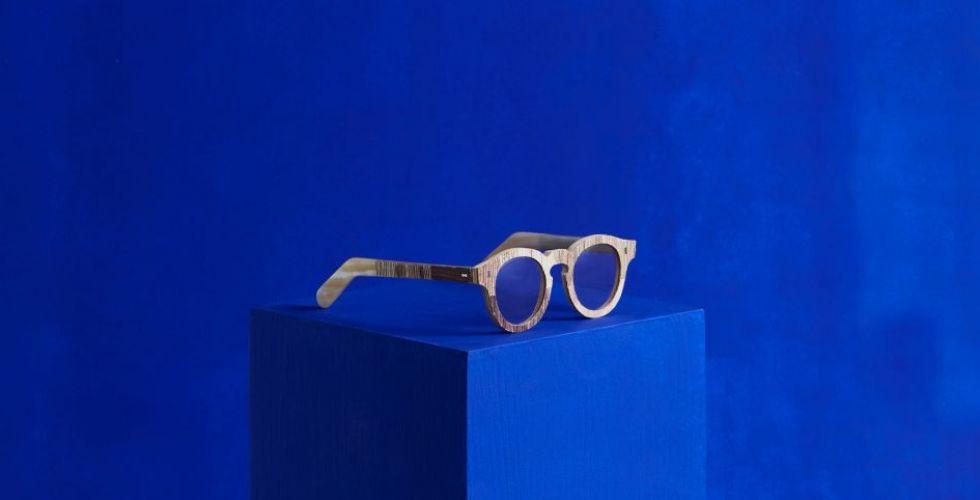 نظّارات مصنوعة من مواد معادة التدوير