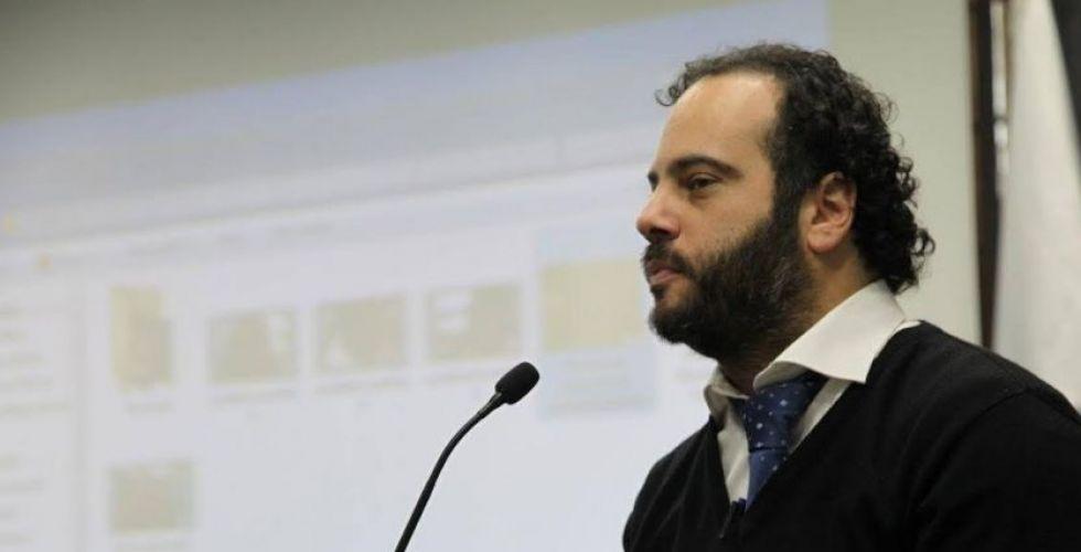 استاذ لبنانيّ سبّاقٌ في تعليم طلابه على وقع موسيقى الجاز