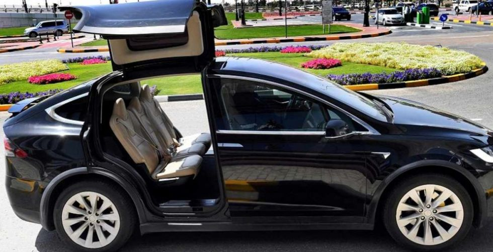 سيّارات الليموزين في دبي صديقة للبيئة 100% عام 2026!