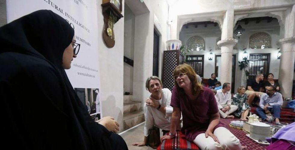 الإجانب متشوقون لاكتشاف ثقافة الامارات في رمضان الكريم