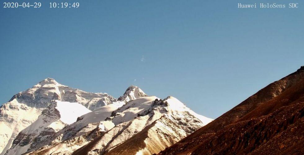 ثورة هواوي التكنولوجية على قمة جبل إيفرست