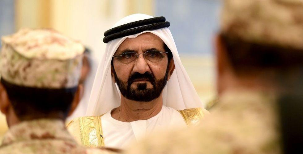 حاكم دبي في السعودية متابعا فرسان الامارات