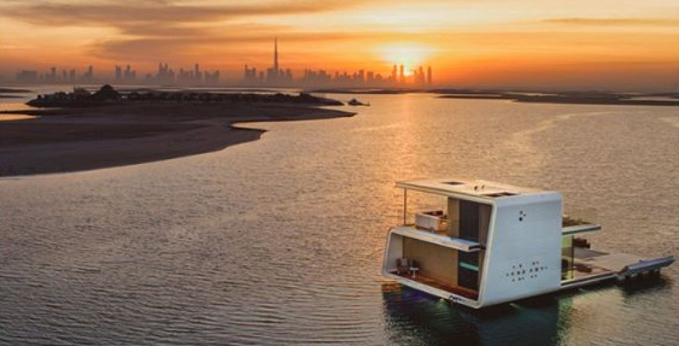 العيش في الماء في دبي
