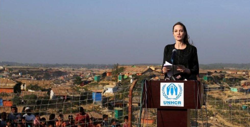 أنجلينا جولي تناصر قضية لاجئي الروهينجا