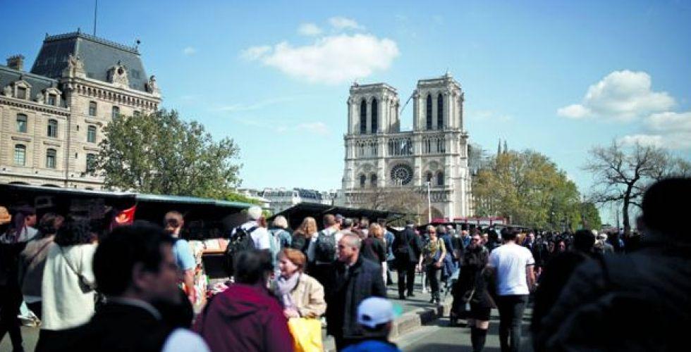 الفرنسيون ينقسمون بشأن طريقة ترميم برج كاتدرائية نوتردام