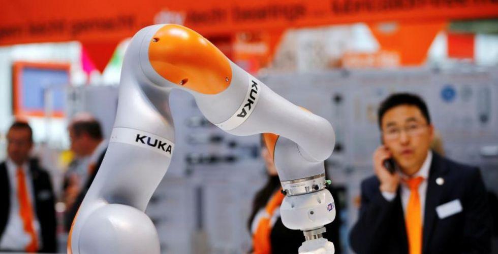 اختلاف في الرأي على دور الروبوت في وظائف المستقبل