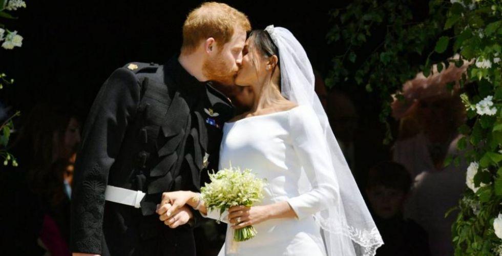 قبلٌ حميمة وملوكيّة عريقة في زواج الأمير هاري وميجان ماركل