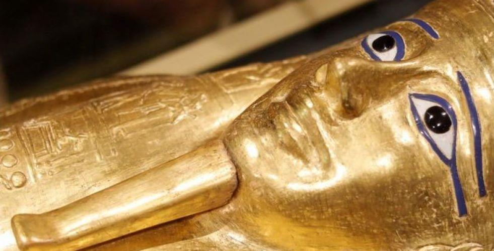 مصر تستعيد تابوتا ذهبيا أثريا من  نيويورك