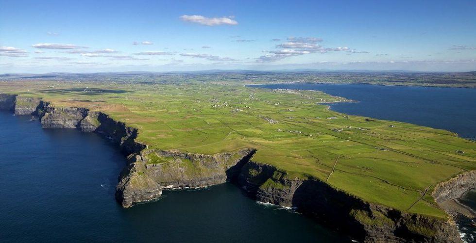 هيئة السياحة الأيرلندية تُعلن عن إعادة فتح باب السفر