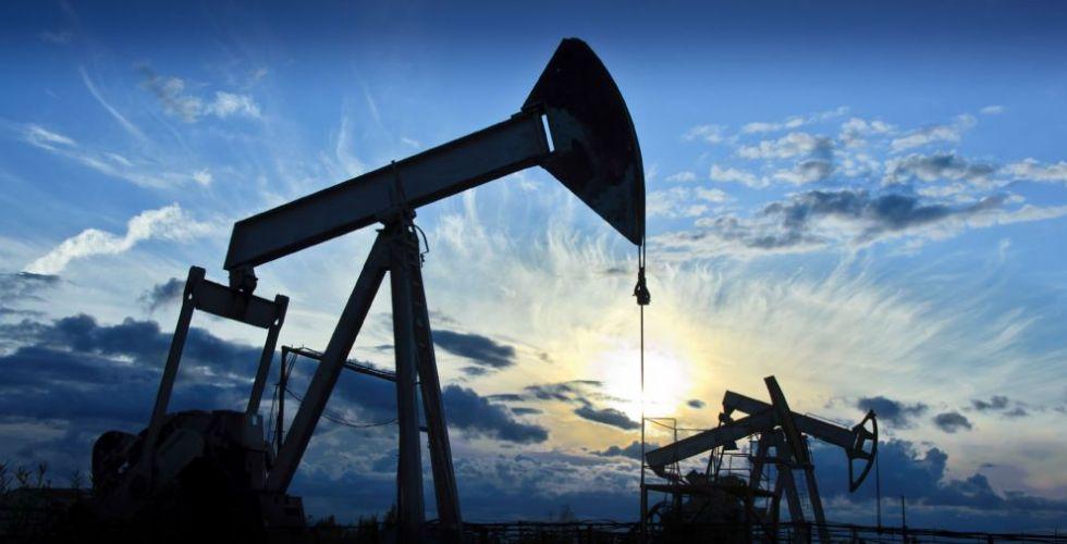 الإعصار هارفي يؤثر في سوق النفط