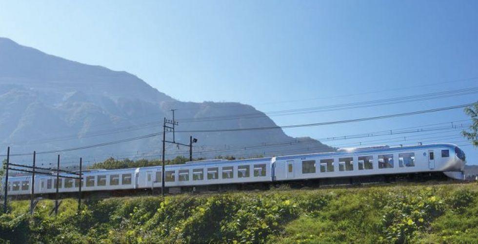 تصميم قطار إستثنائيّ لمشاهدة مناظر طوكيو