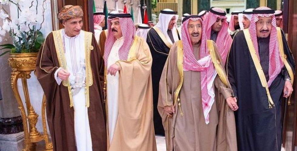 القمة الخليجية تدعو إلى وحدة مالية ونقدية بحلول ٢٠٢٥