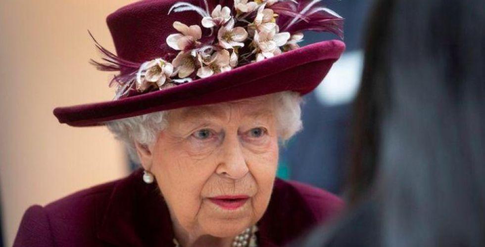 الملكة اليزابيث تنعزل في  قلعة وندسور