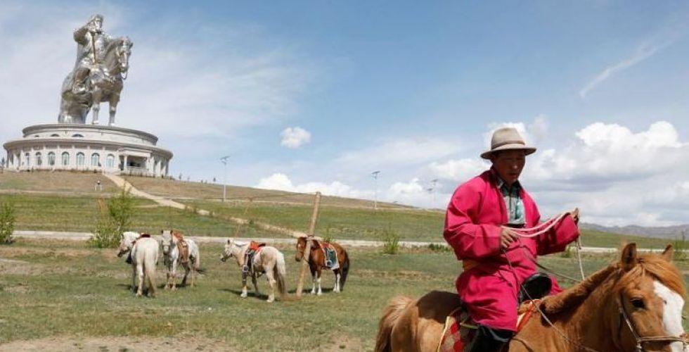 لماذا أهدى رئيس منغوليا الرئيس الاميركي حصانا؟