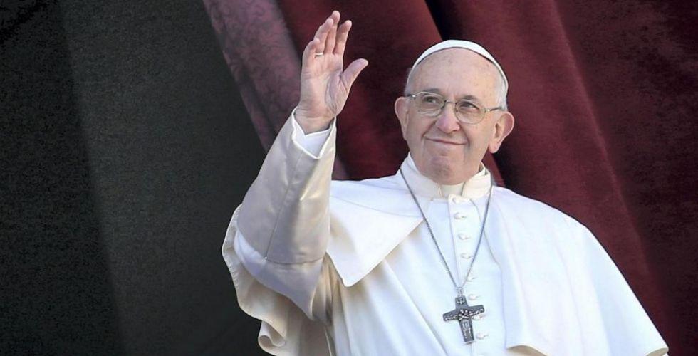 أكثر من مئة وخمسين ألف  شخص يشاركون في قداس البابا فرنسيس