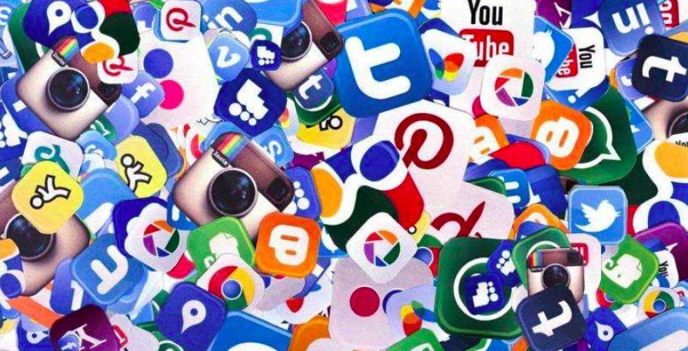 خدمات فيسبوك تعود بعد اهتزاز العالم