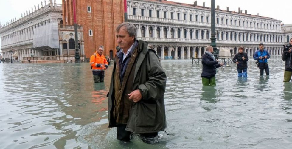 البندقية في الكارثة تغرق تحت مدّ مائي