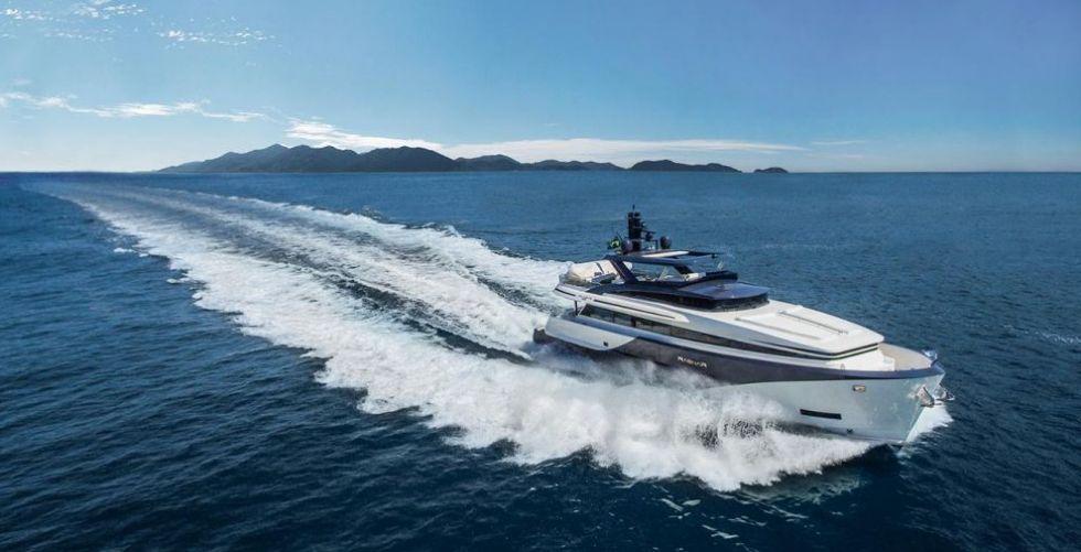 MCP Yachts و THD 925الجديد كلّيًّا