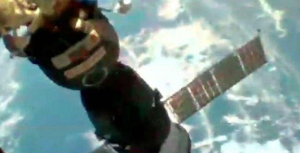 غناء في الفضاء