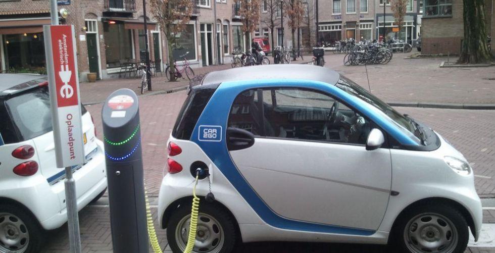 بريطانيا تشجّع الاستثمار في السيارات الكهربائية