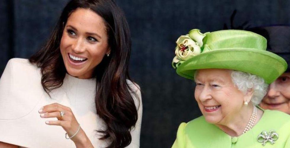 ملكة بريطانيا توافق على تخلي الأمير هاري وميجان عن مهامهما الملكية