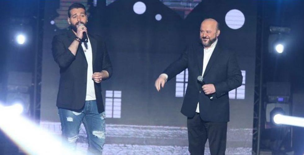 وزير الاعلام اللبناني يكتب الأغاني