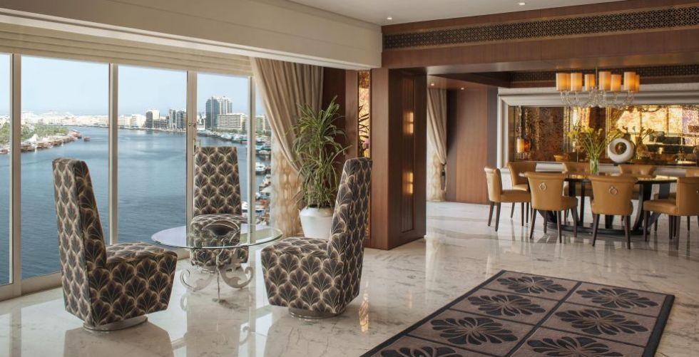 فندق وأبراج شيراتون خور دبي يحتفل بمرور 40 عاماً على مسيرته الريادية