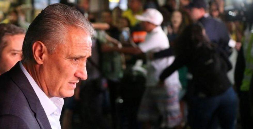 البرازيليون يستقبلون بالترحاب منتخبهم الخاسر