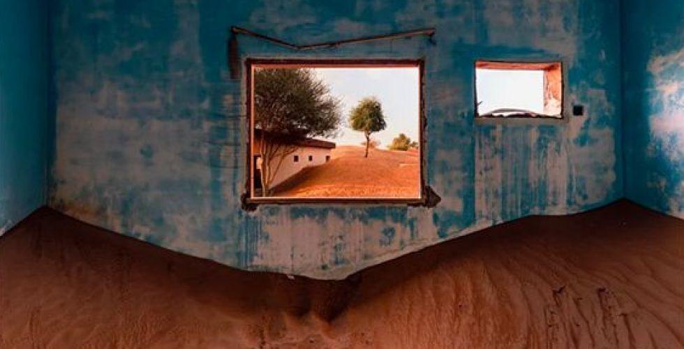 منازل تحت الرمال في الامارات