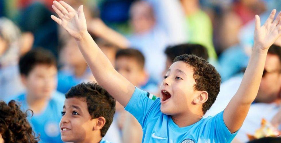 منطقة مشجعي السيتي تعود إلى مدينة زايد الرياضية