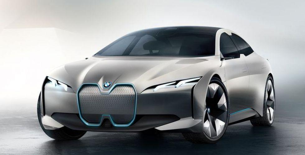 بي ام دبليو i4 سيّارة كهربائيّة في عام 2021