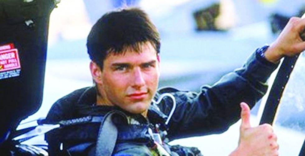 توم كروز يقود مجددا طائرة مقاتلة ودراجته النارية