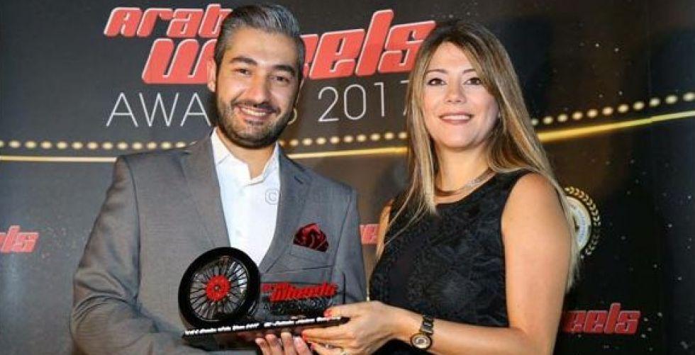 تكريم الفطيم للسيارات في جوائز أراب ويلز