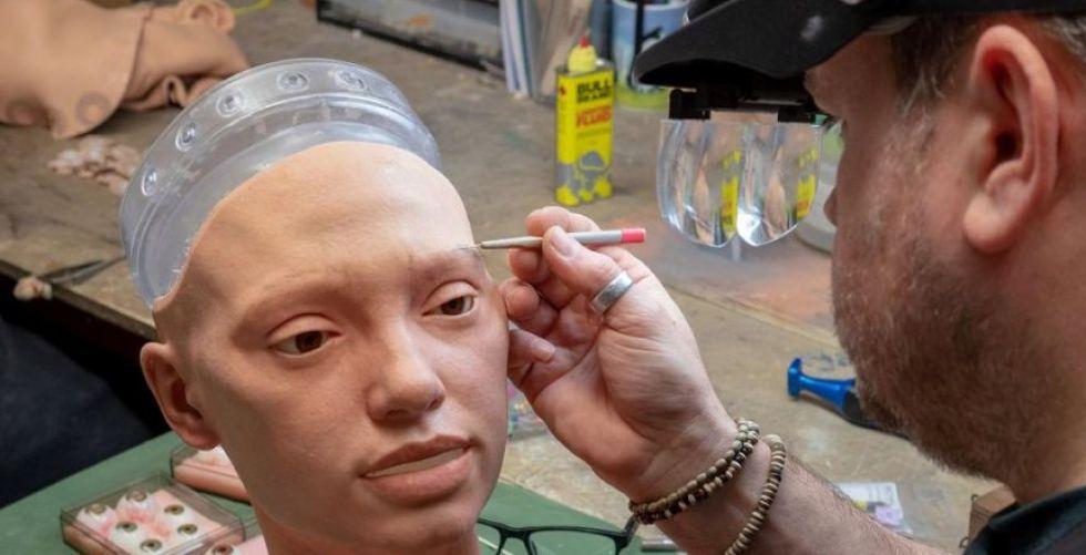 الروبوت أيدا يرسم الوجوه فهل يُبدع؟