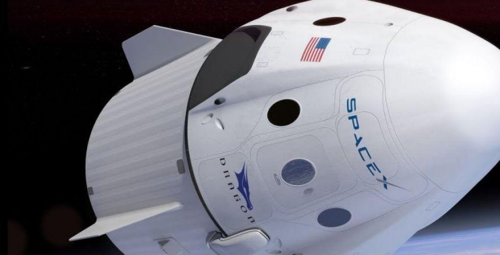سبيس إكس يتقدّم لنقل البشر الى الفضاء