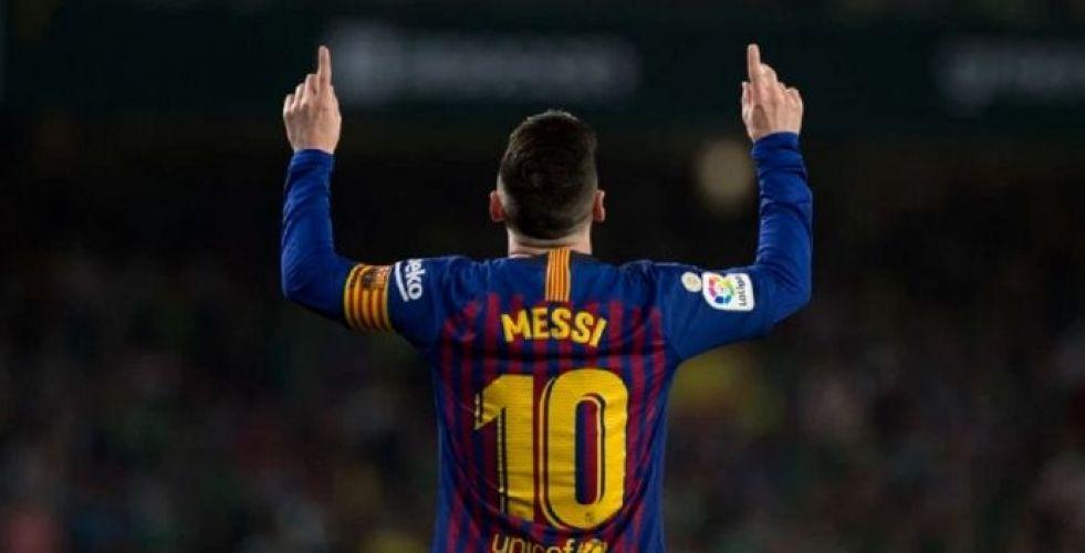 ميسي بركلاته الحرة يدهش جمهور برشلونة