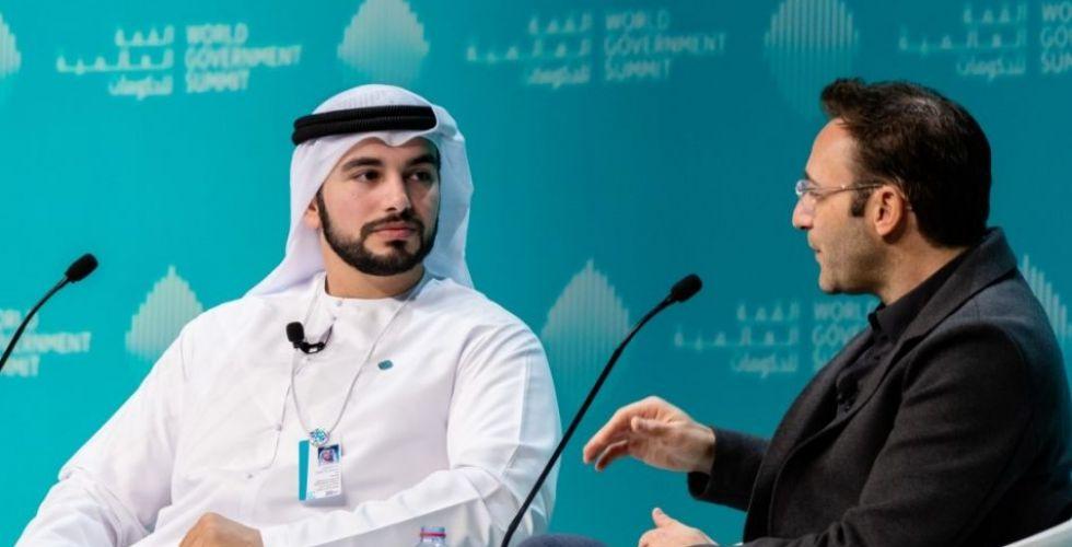 الخبير العالمي سيمون سينك: دولة الإمارات مصنع للخبرات العالمية وفنون القيادة