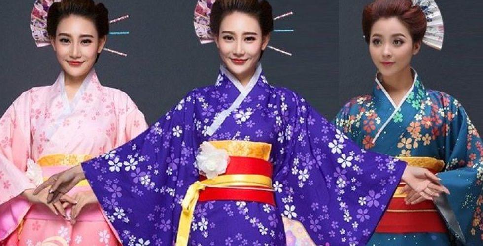 اليابانيون غاضبون من كارداشيان لتطوير ملابس داخلية