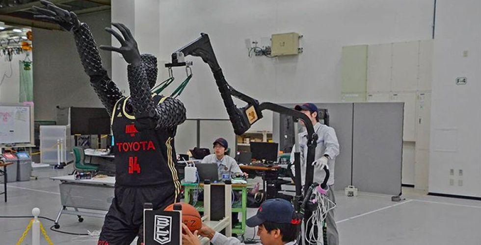 يبقى لاعبو كرة السلة أقوى من روبوت تويوتا