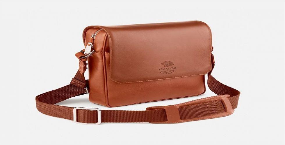 حقيبة أم محفظة... وما هو القياس المناسب لأناقتك؟