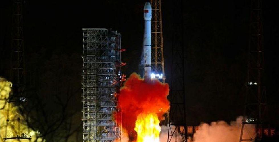 الصين تنافس وتطمح لاكتشاف الجانب المعتم من القمر