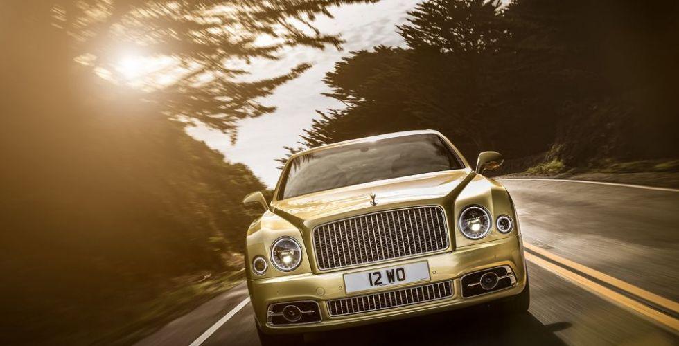 Bentley  في جنيف: رفاهية، أداء