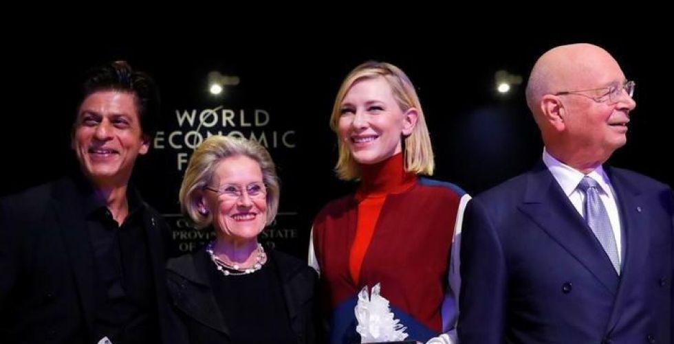 جوائز السبّاقين في الانسانية لفنانين في دافوس