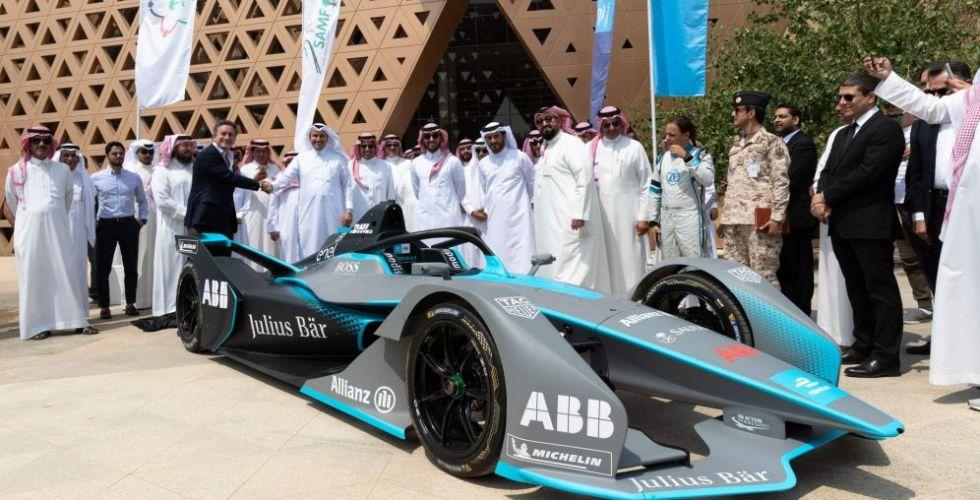 تأشيرات إلكترونية لمشاهدة سباق الفورمولا إي في السعودية