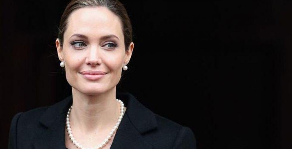 أنجلينا جولي في أفلام جديدة لوالت ديزني