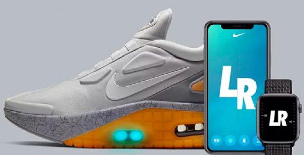 نيكي في حذاء مستقبلي