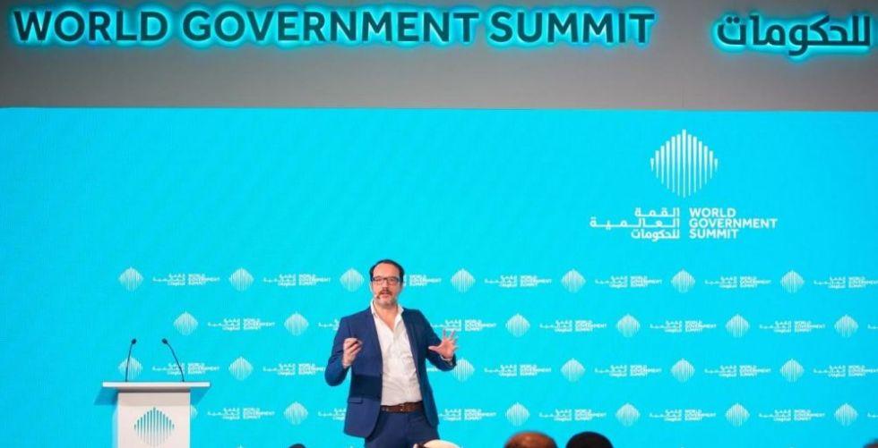 جلسات تناقش استراتيجيات تصميم حكومات المستقبل