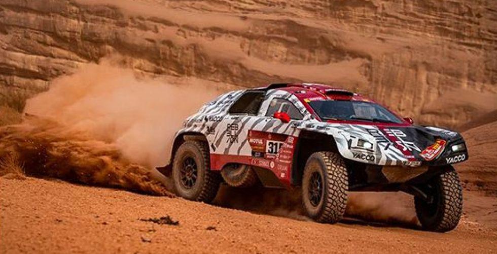 حين تلتقي الساعة والسيارة في سباق صحراء السعودية