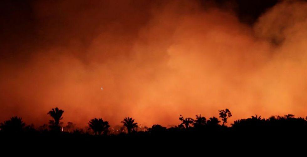 أملٌ بمطر استوائي لإخماد حريق الأمازون